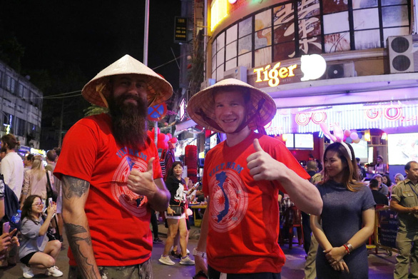 Overwhelming kindness is what we love about Vietnam: expats