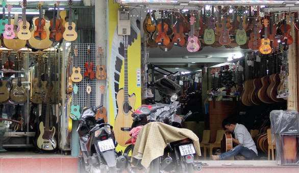 Music stores on Nguyen Thien Thuat Street in District 3, Ho Chi Minh City. Photo: Tuoi Tre