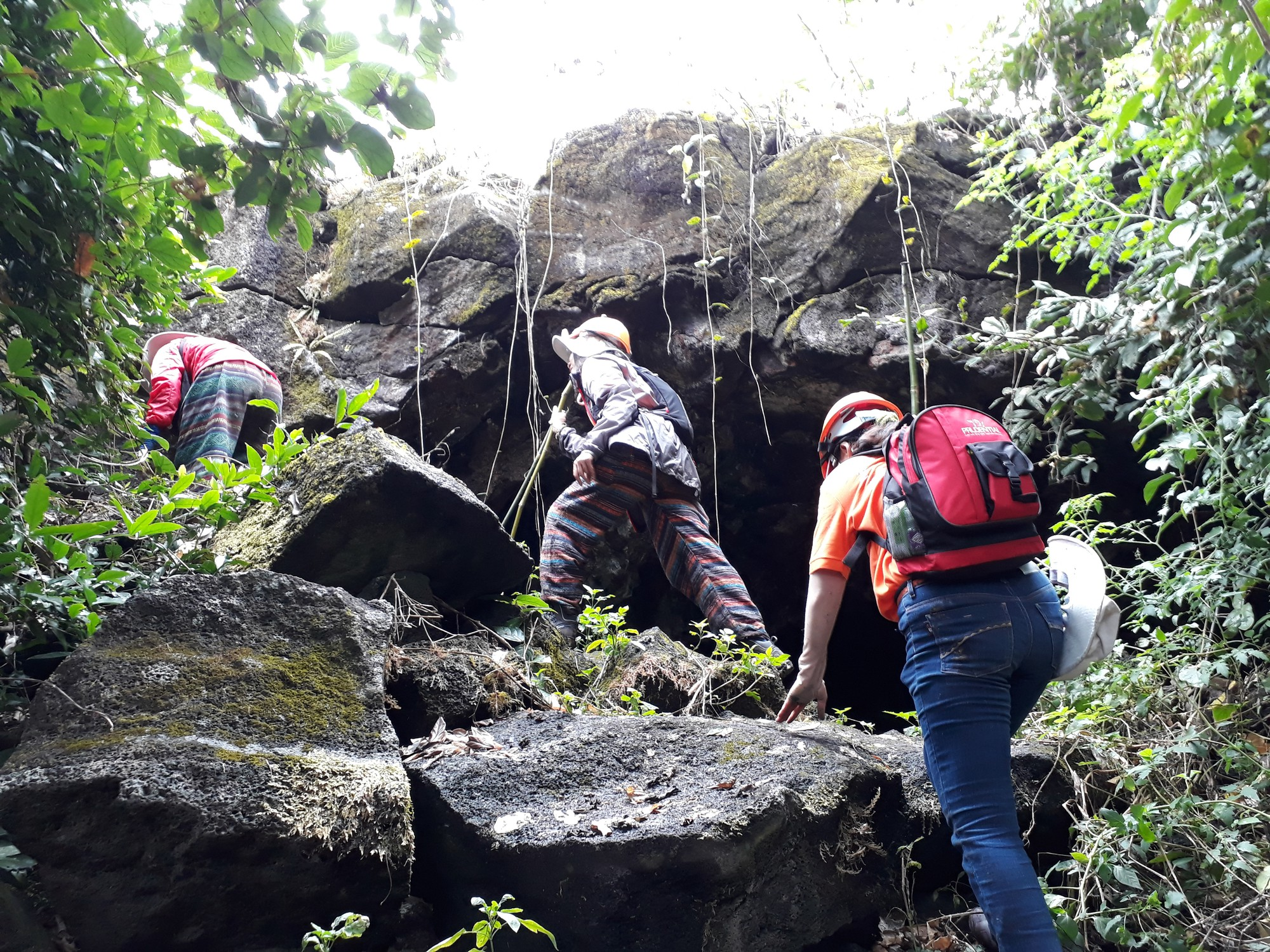 Visitors climb the Chu B'luk (Genesis) volcano in Dak Nong Province, Vietnam's Central Highlands. Photo: Tuoi Tre