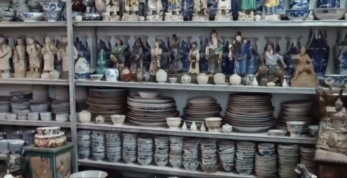 Dinh Cong Tuong's pottery at his building in Ho Chi Minh City, Vietnam. Photo: Tuoi Tre