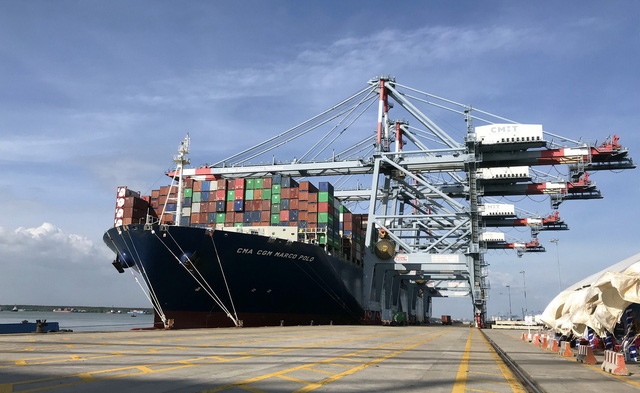 World's largest container ship docks at Vietnam port