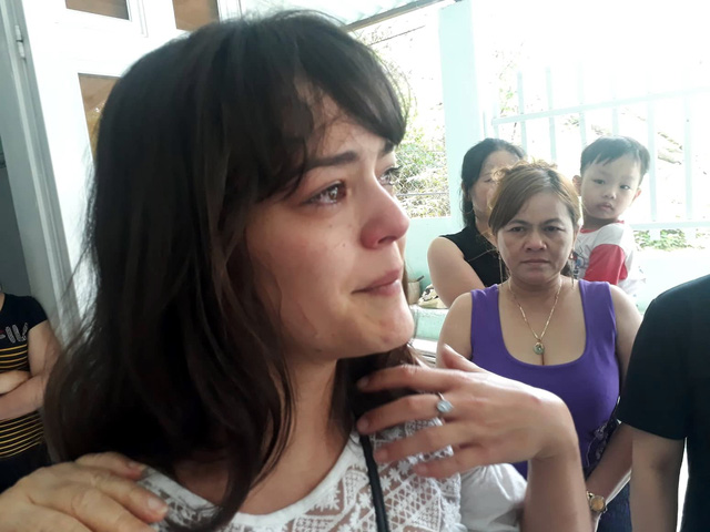 Lysiane Danièle is seen with teary eyes during the reunion with her grandparents in Ba Ria-Vung Tau Province, southern Vietnam, January 15, 2019. Photo: Tuoi Tre