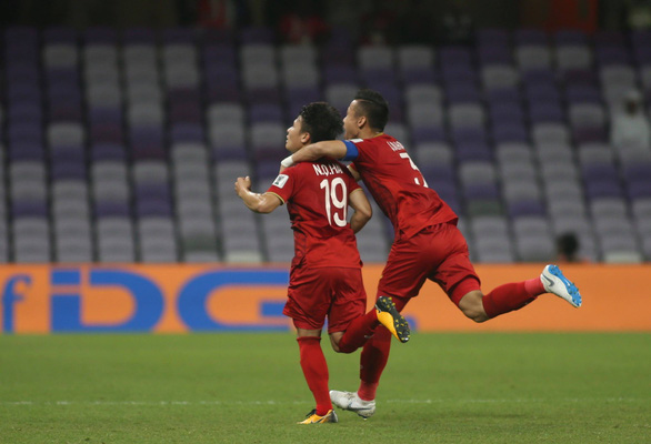 Vietnam keep knockout hope alive with win over Yemen at Asian Cup