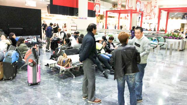 Vietnamese flyers of American Airlines stuck in Macau, Hong Kong stopovers