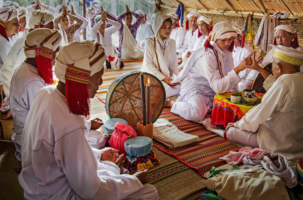 Third prize: Wedding ceremony of the Cham Bani people. Photo: Ngo Quang Phuc