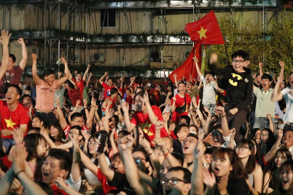 Vietnamese fans celebrate in Ho Chi Minh City on January 20, 2019. Photo: Ngoc Phuong / Tuoi Tre