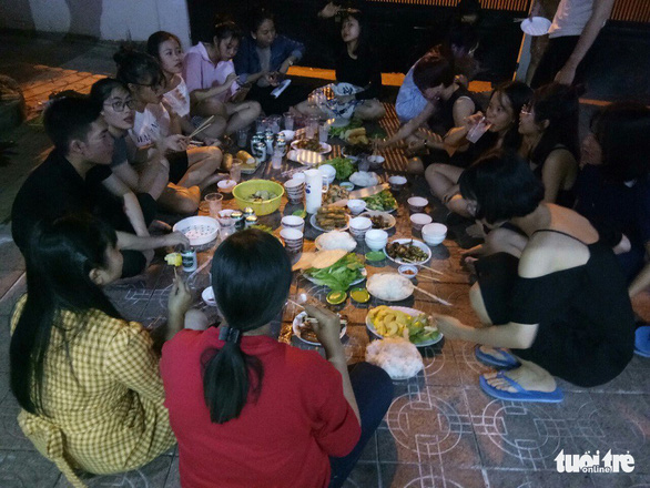 A group of students hold a year-end party in the southern beach city of Vung Tau. Photo: Tan Hiep / Tuoi Tre