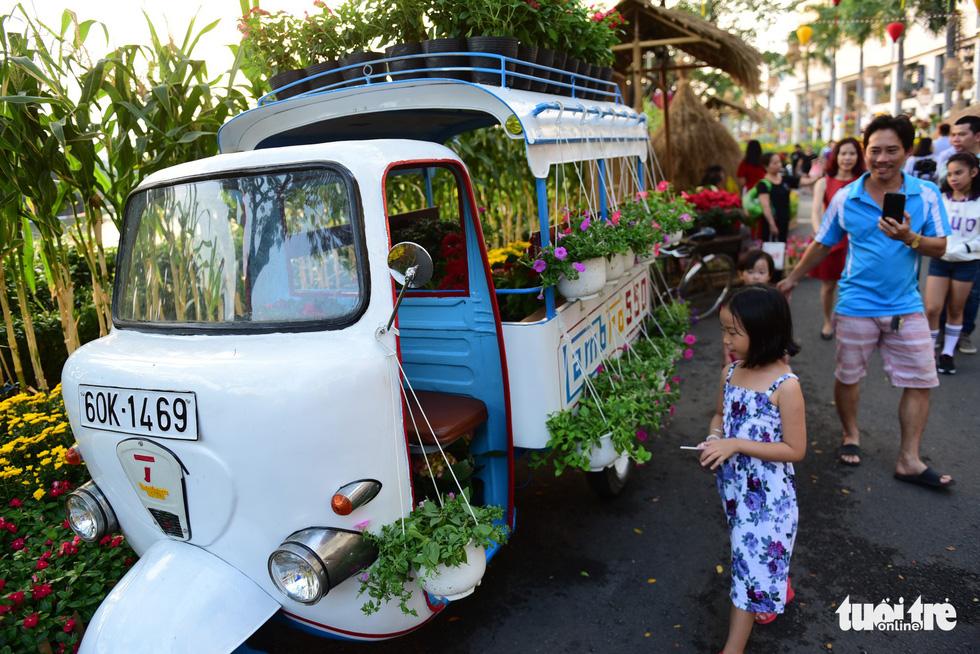 A decorated Lambretta Lambro. Quang Dinh / Tuoi Tre