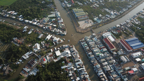 The Nga Nam Floating Market is pictured from above. Photo: Chi Quoc / Tuoi Tre
