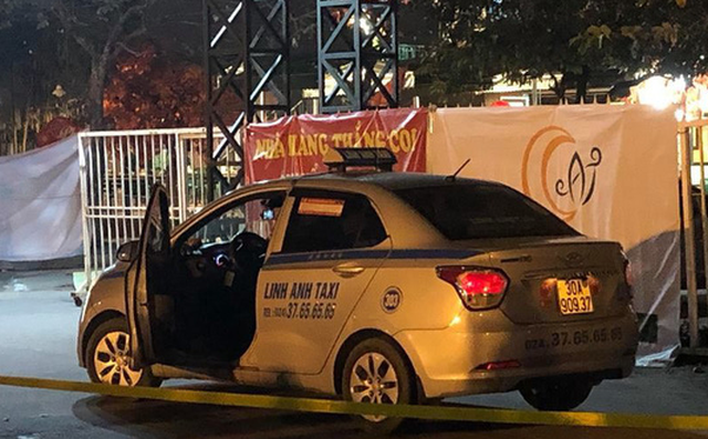 The cab is pictured following the incident. Photo: Tuoi Tre's contributor