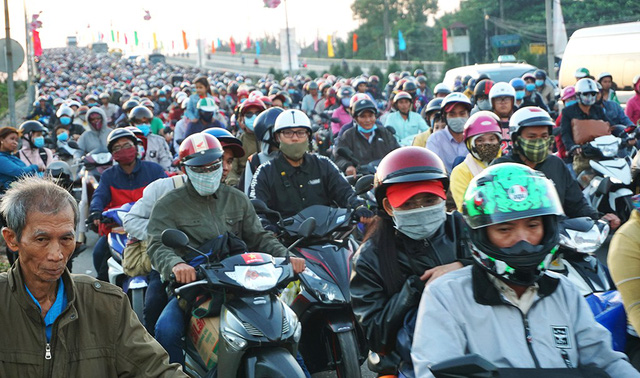 Post-Tet commute from Mekong Delta to Saigon plagued by congestion