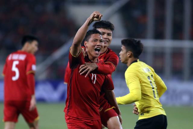 Veteran Vietnam international forward offered short-term deal by leading Thai club