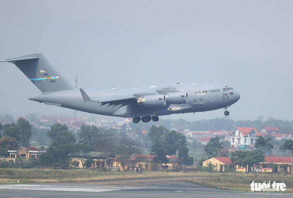 <em>A Boeing C-17 Globemaster III lands at Noi Bai International Airport in Hanoi on February 20, 2019. Photo: </em>Nguyen Khanh / Tuoi Tre