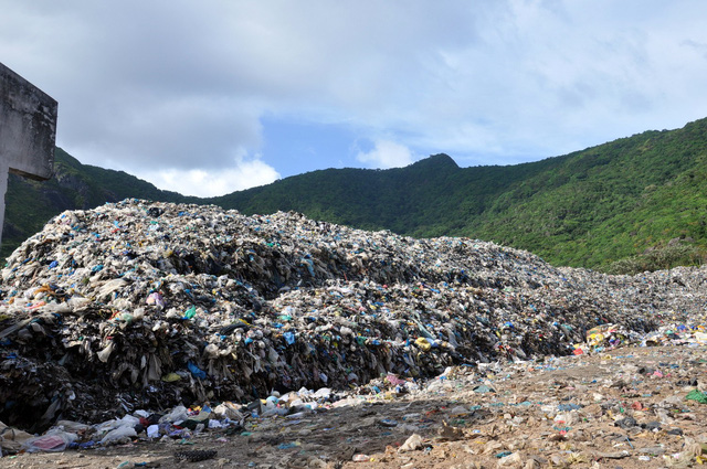 Garbage from Vietnam's Con Dao Islands to be shipped to mainland for treatment