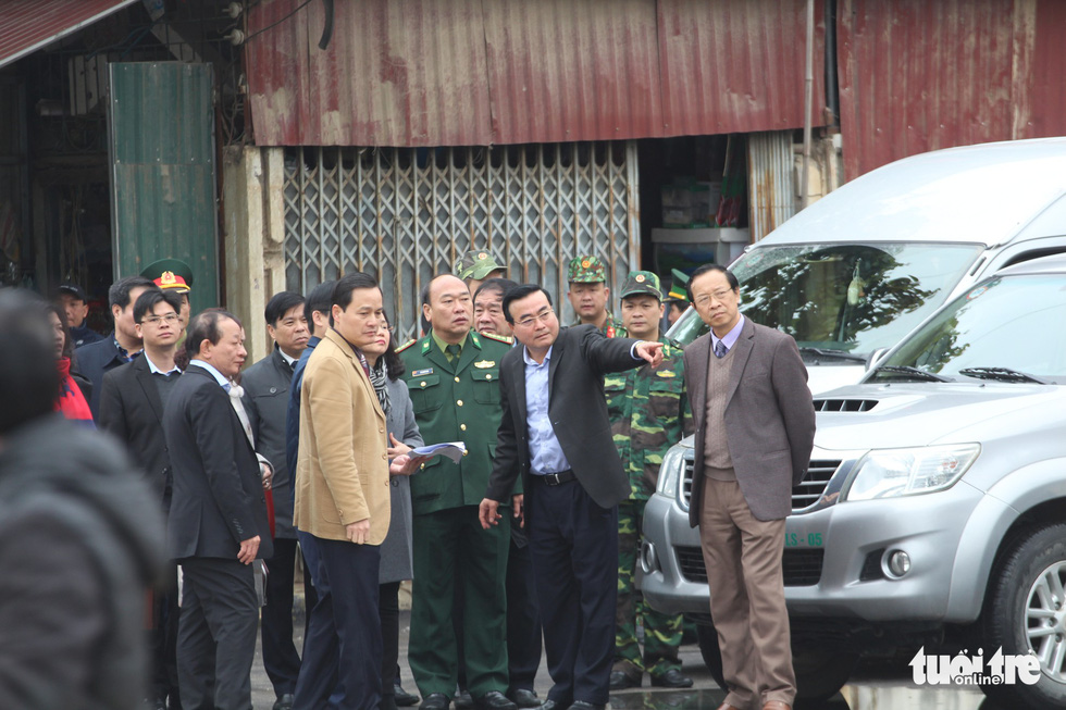 Officials and military leaders check Dong Dang Railway Station in Lang Son Province, northern Vietnam, February 25, 2019. Photo: Chi Tue / Tuoi Tre