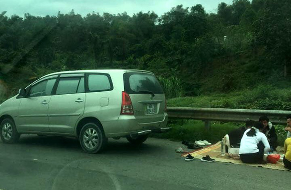 Officers impound car as travelers caught picnicking along northern Vietnam expressway