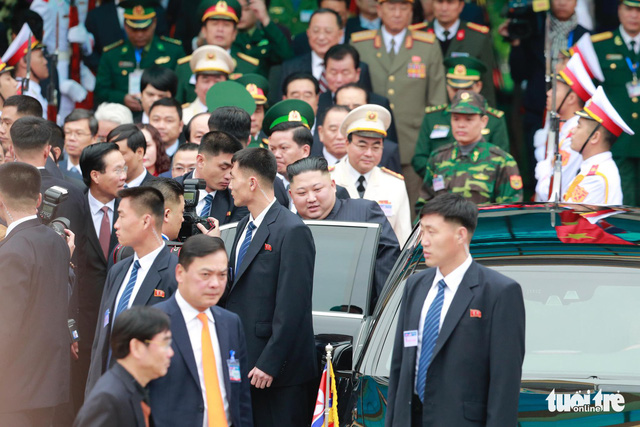 North Korea's leader Kim Jong Un enters his vehicle after arriving at the Dong Dang railway station, northern Vietnam, at the border with China, February 26, 2019.  Photo: Viet Dung / Tuoi Tre