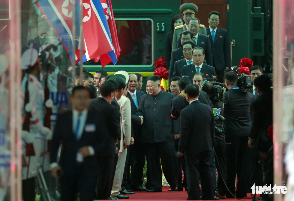 North Korean Chairman Kim Jong Un shakes hands with Vietnamese officials at Dong Dang Railway Station in Lang Son Province, northern Vietnam, February 26, 2019. Photo: Viet Dung / Tuoi Tre
