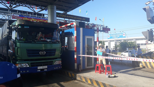 In Vietnam, locals manually count traffic volume over tollgate operator's doubting figures