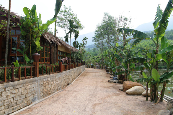 A concrete road inside the illegal resort. Photo: Le Trung / Tuoi Tre
