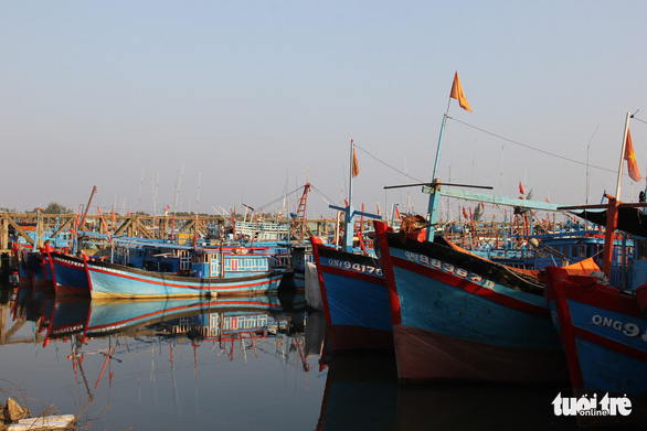 Chinese vessel sinks Vietnamese fishing boat near Hoang Sa