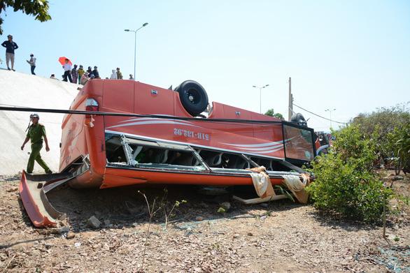 Around ten South Korean tourists hurt as bus plunges off cliff in Vietnam
