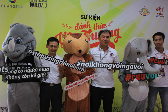 Hashtags with wildlife protection messages at the event. Photo: Trong Nhan/ Tuoi Tre