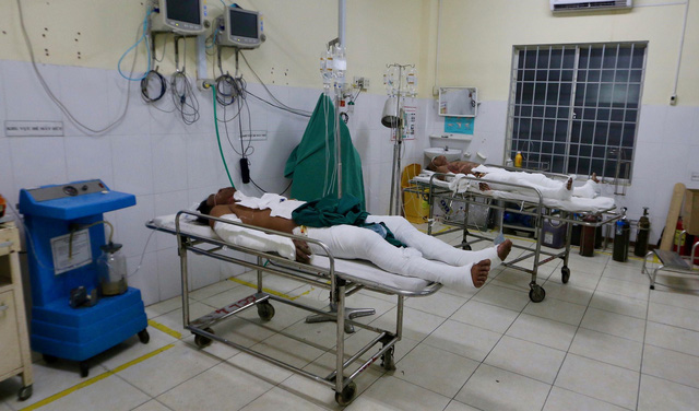 Five Vietnamese men seriously burned in petrol challenge