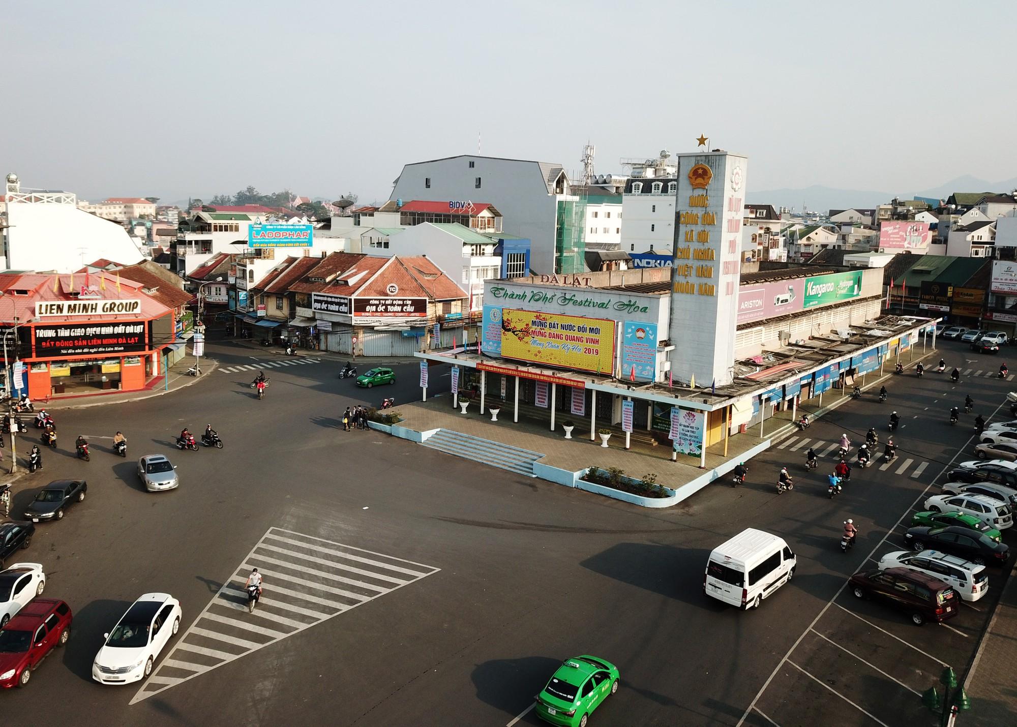 The Hoa Binh Theater area in downtown Da Lat. Photo: Mai Vinh / Tuoi Tre
