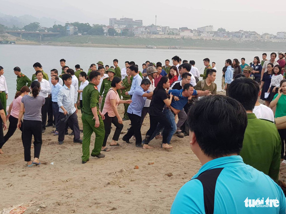Eight middle schoolers drown in river in northern Vietnam
