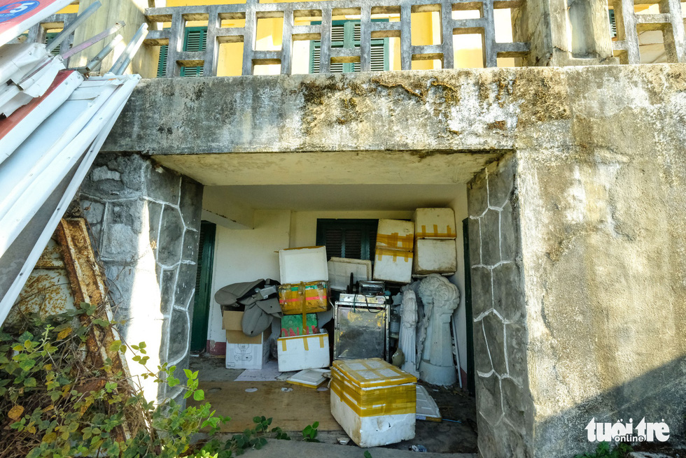 The basement of the 'Dinh Tinh Truong' provincial governor's palace in Da Lat, Vietnam is used as a storage room for a local exhibitor. Photo: Mai Vinh / Tuoi Tre