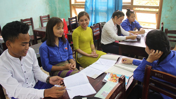 Vietnamese teachers resolve to stop arranged marriages among students