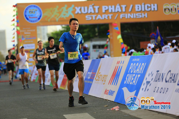 Ngo Van Vinh, a handicapped runner from Hanoi, joins the 2019 Tien Phong newspaper marathon and mountain running competition in Vung Tau, Vietnam on March 24, 2019. Photo: Hong Linh
