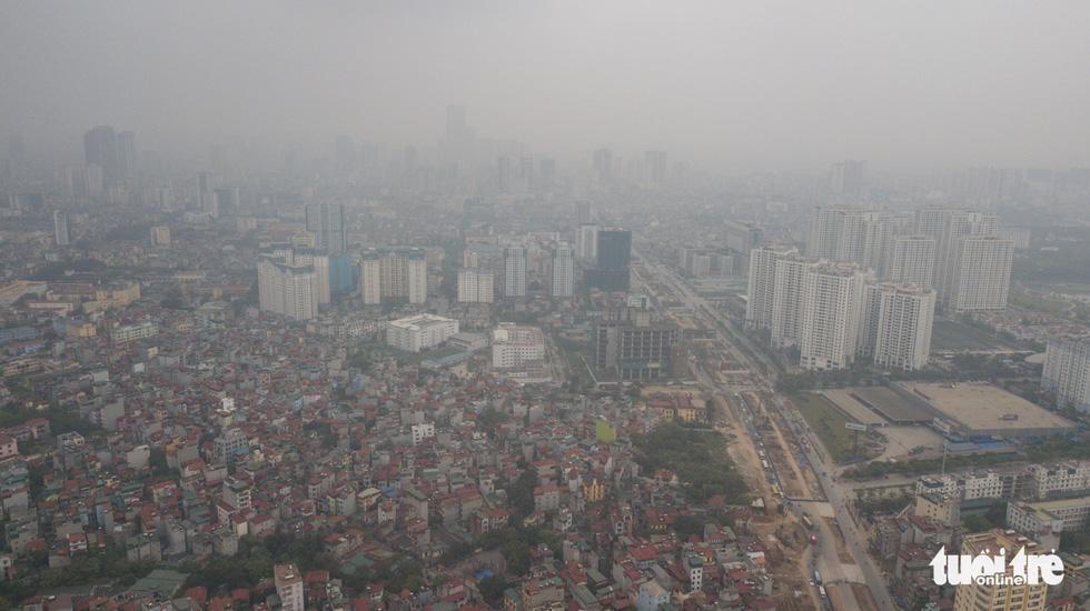 The neighborhoods along Pham Van Dong Street in Cau Giay District. Photo: Nam Tran / Tuoi Tre