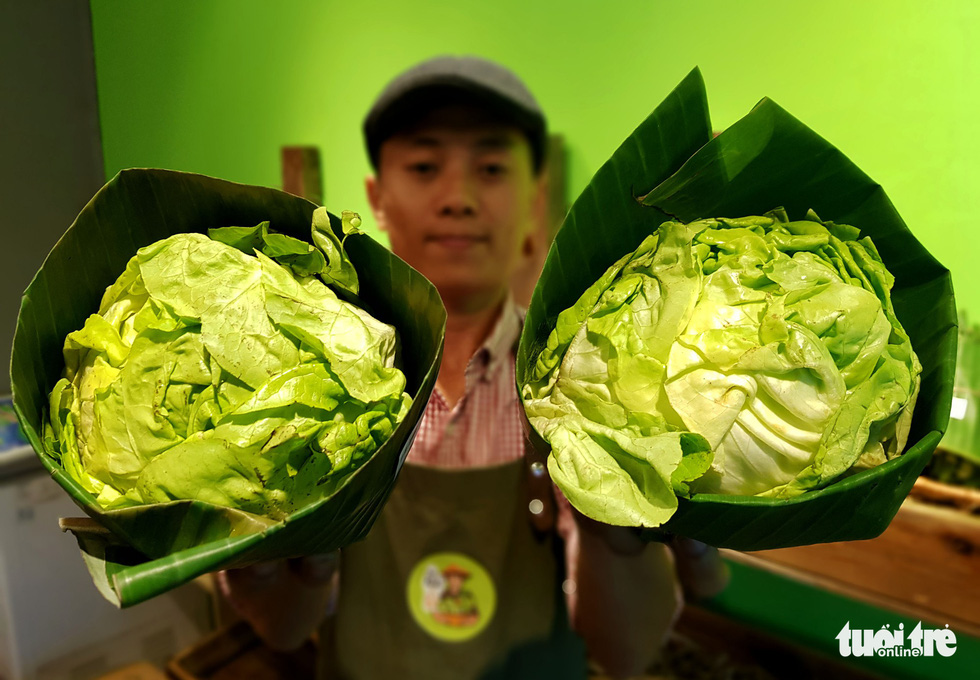 Saigon grocery store shuns plastics to wrap products in banana leaves