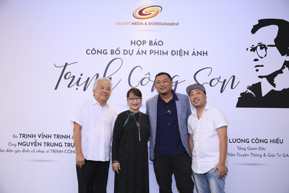 Filmmaker Nguyen Quang Dung (first right), director Phan Gia Nhat Linh (second right), Trinh Cong Son's younger sister Trinh Vinh Trinh (second left) and her husband are seen at the press conference in Ho Chi Minh City on March 28, 2019. Photo: Organizer