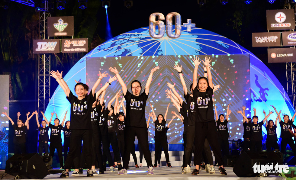 A flashmob during the event in Ho Chi Minh City. Photo: Duyen Phan / Tuoi Tre