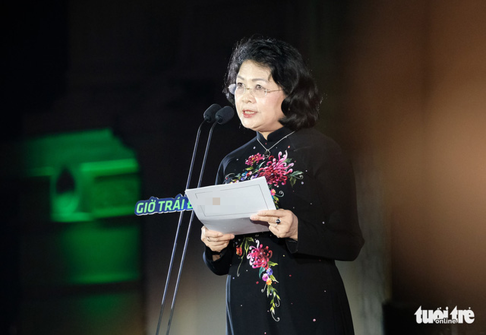 Deputy State President Dang Thi Ngoc Thinh speaks at the ceremony in Hanoi. Photo: Nam Tran / Tuoi Tre