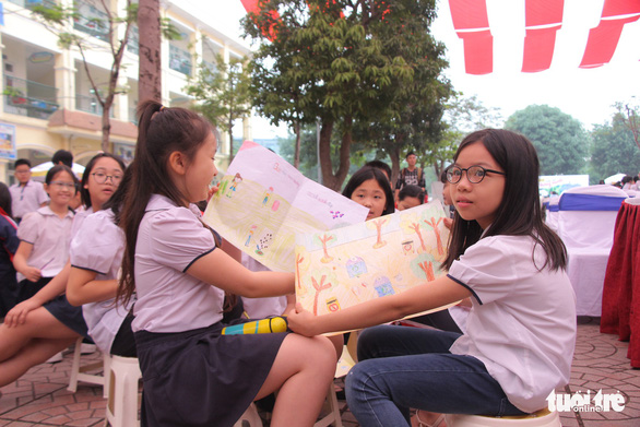 Students of Trung Yen Primary School in Hanoi take part in a drawing contest on April 2, 2019. Photo: Ha Thanh / Tuoi Tre