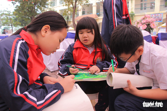 Hanoi students use art to promote environment protection