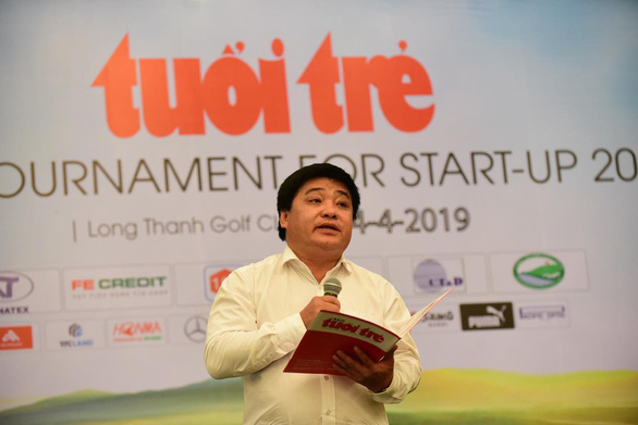 Le The Chu, editor-in-chief of Tuoi Tre (Youth) newspaper, speaks to wrap the Golf Tournament For Start-Up 2019 in Dong Nai Province, southern Vietnam, April 4, 2019. Photo: Quang Dinh / Tuoi Tre
