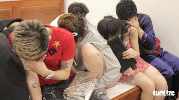 17 men, women caught using drugs inside motel in Vietnam's Mekong Delta