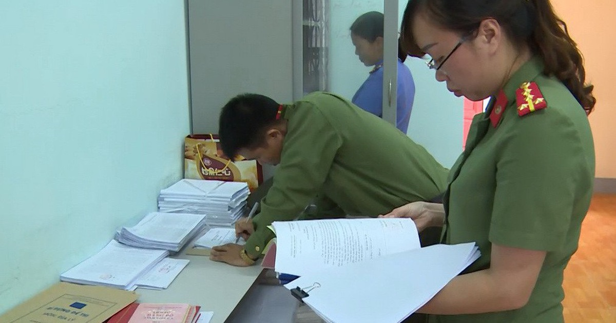 Dozens disqualified from police academies in Vietnam after cheating scandal