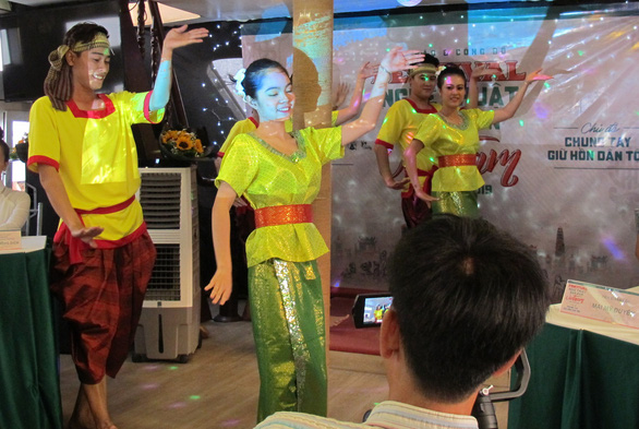 Ho Chi Minh City to hold first-ever folk art festival in celebration of national holiday