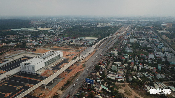 An aerial view of an under-construction terminal of the Ben Thanh – Suoi Tien metro line in downtown Ho Chi Minh City. Photo: Quang Dinh / Tuoi Tre
