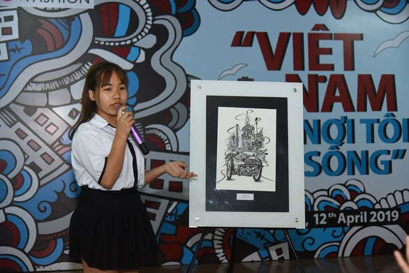 Student wins design contest with drawing of cyclo carrying all Saigon uniqueness
