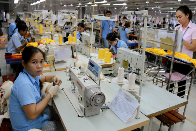 A workers work at a FDI factory in Vietnam. Photo: Tuoi Tre
