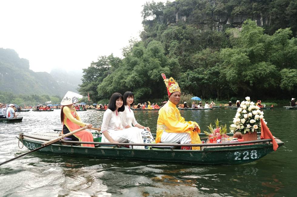 A ritual as part of the festival. Photo: Mai Thuong / Tuoi Tre