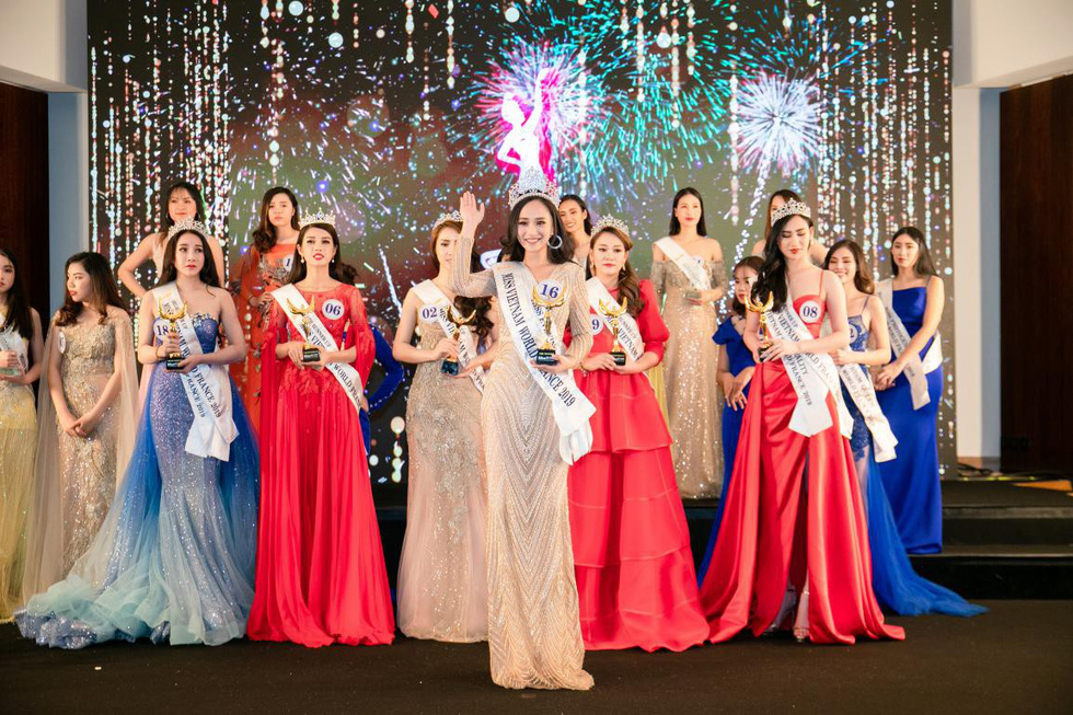 Hanoi beauty crowned Miss Vietnam World France
