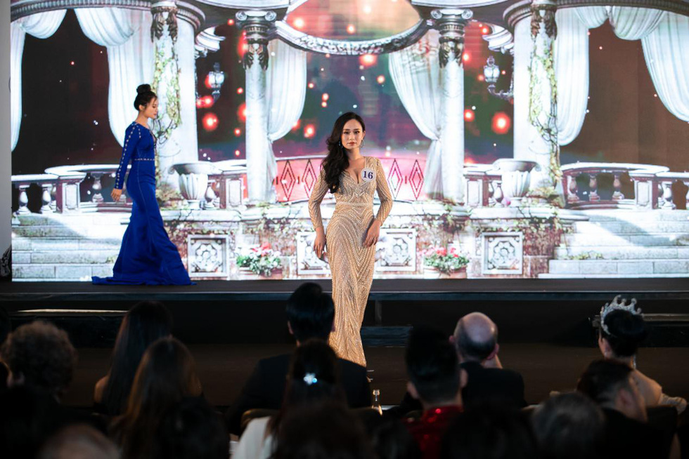 Tran Vu Huong Tra walks down the stage in the ball gown round at the finale night of Miss Vietnam World France 2019 in Paris on April 20, 2019. Photo: Supplied